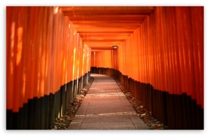 torii_leading_to_the_inner_shrine-t2